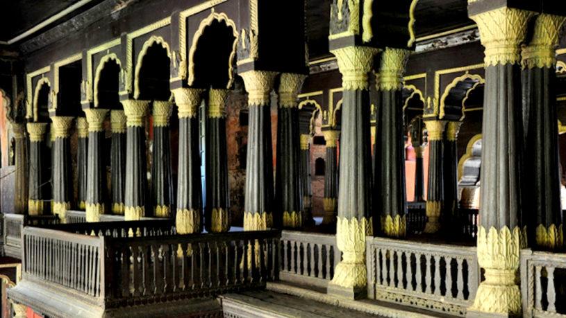 Tipu Summer Palace, Bangalore Walking tour